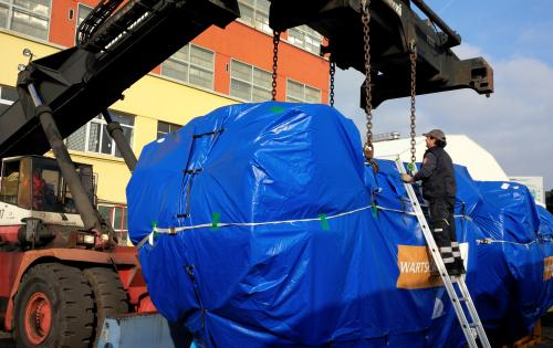 Alpha Maritime Services Handle 2 Huge Ship Engines from Italy to Chile