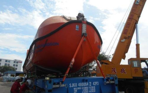 JS World Freight Distributor Ship 2 Lifeboats from Singapore to the Middle East