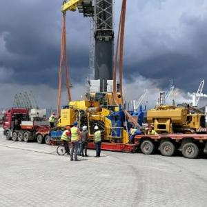 Veslam & Livo Complete Delivery of Heavy Pipelaying Machinery